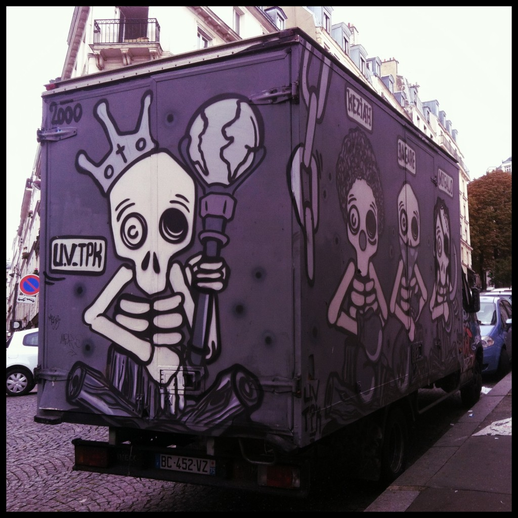 Graffiti Truck Montmartre